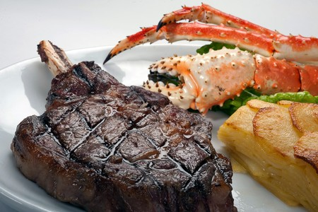 Bully's East - Ribeye and Crab Legs