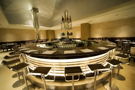 N9NE Steakhouse - Round Bar