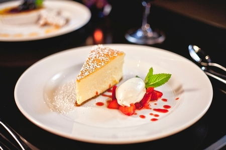 N9NE Steakhouse - New York Style Cheesecake