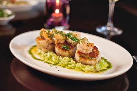 N9NE Steakhouse - Maine Sea Scallops