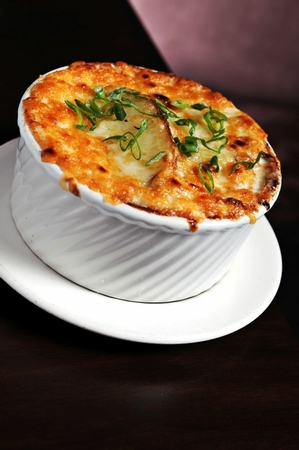 N9NE Steakhouse - Onion Soup