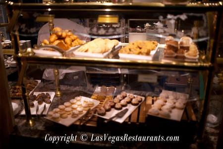 le village buffet at paris las vegas restaurant info and reservations rh lasvegasrestaurants com paris vegas buffet breakfast paris vegas buffet hours