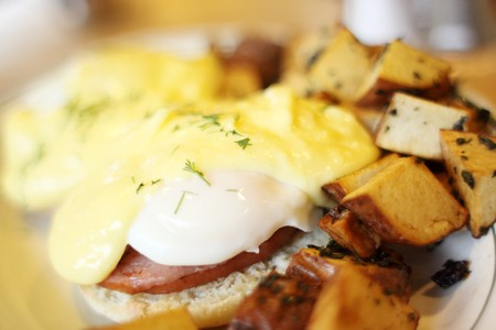 Woody's Solana Beach - Eggs Benedict