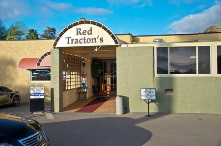 Red Tracton's - Entrance