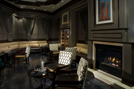 André's at the Monte Carlo - Lounge Area with Fireplace