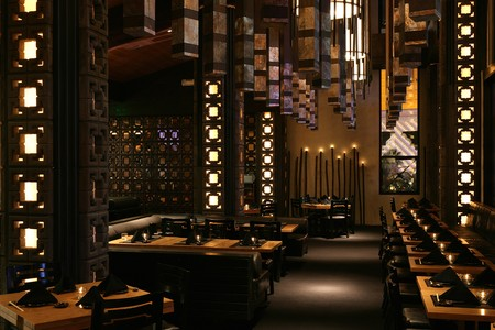 Sushi Roku - Chandeliers and candles