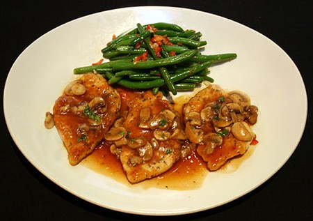 Trevi - Chicken Marsala with Green Beans