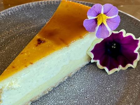 Ovation Bistro - Creme Brulee Chesecake