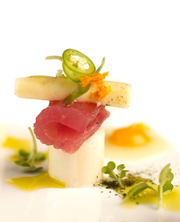 NINE - TEN - Hawaiian Tuna Sashimi with Hearts of Palm