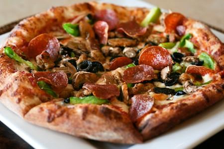 Leucadia Pizzeria & Italian Restaurant - Deluxe Pizza