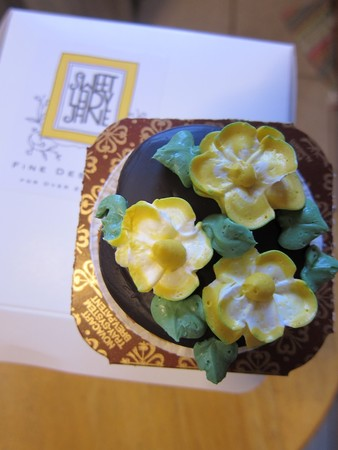 Sweet Lady Jane - Floral Cupcake