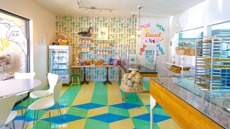 Super Chunk Sweets & Treats - Interior
