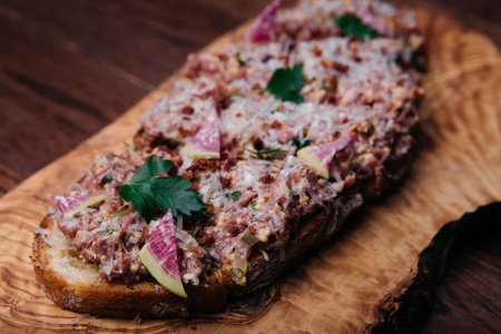 The Trop Bar & Grill - Beef tartar