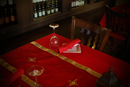 The Olives Branch - Table Setting