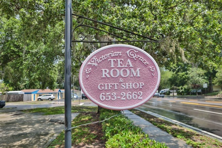 Victorian Grace Tea Room - Victorian Grace Tea Room Sign