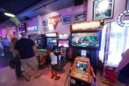Corvette Diner - arcade room