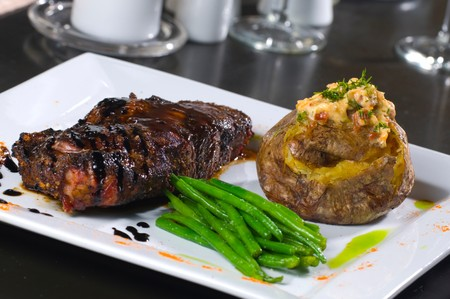 Red Tracton's - Steak Entree