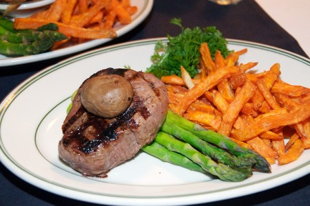 Red Tracton's - Steak with Mushroom